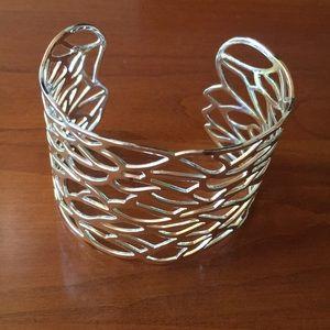 NWOT Gorgeous Open-weave Silver Bracelet